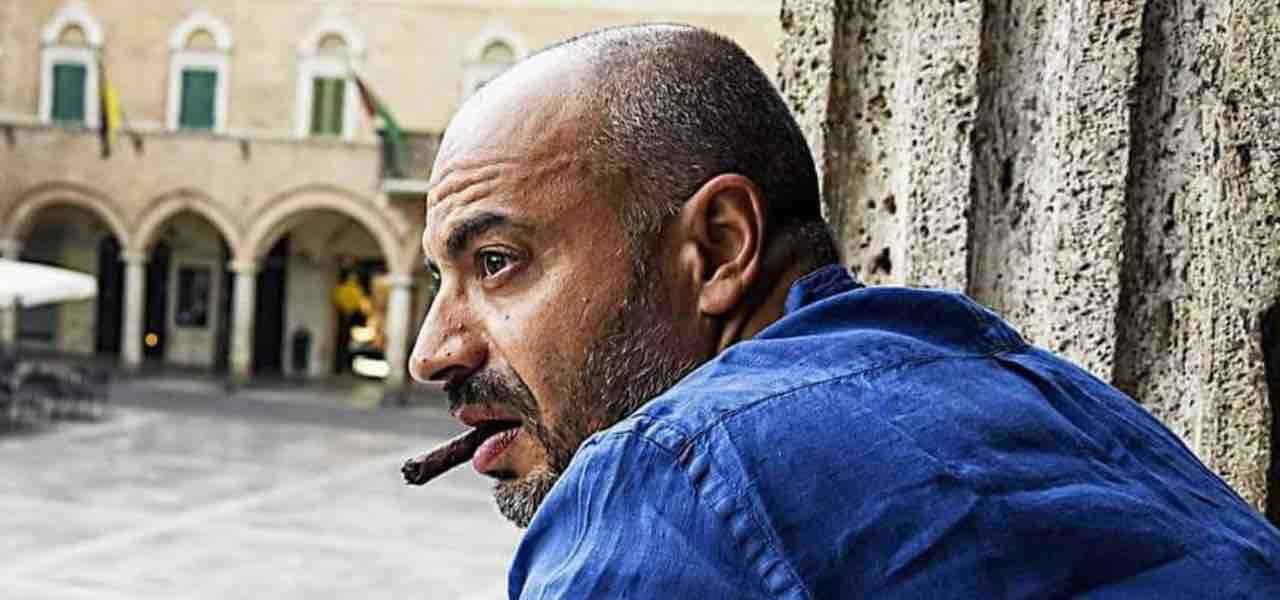 Gianluigi Paragone, incidente in moto: trasportato d'urgenza in Ospedale con Codice Rosso