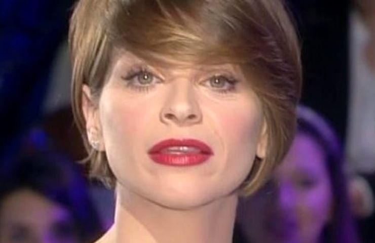 Alessandra Amoroso: visione dell'amore, i successi e le difficoltà. L'interprete salentina si racconta