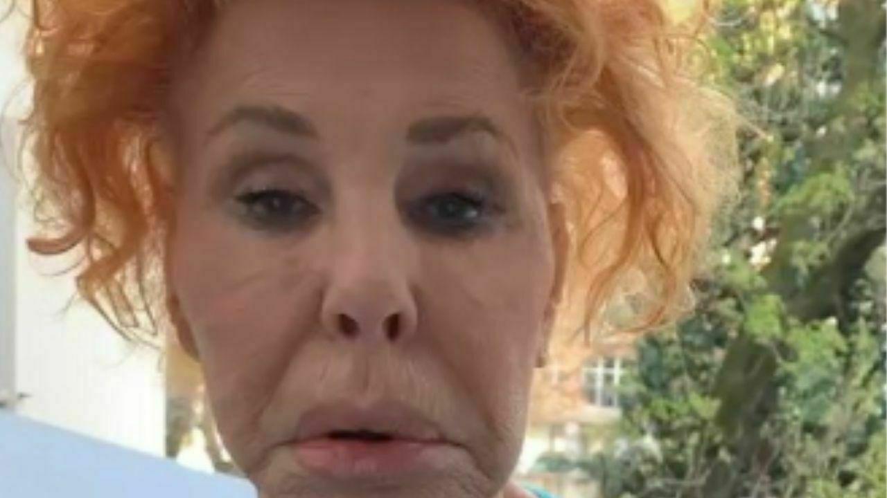 """Ornella Vanoni lancia un appello """"Mi servono badanti che sappiano rollare. Fumo canne da 55 anni"""""""